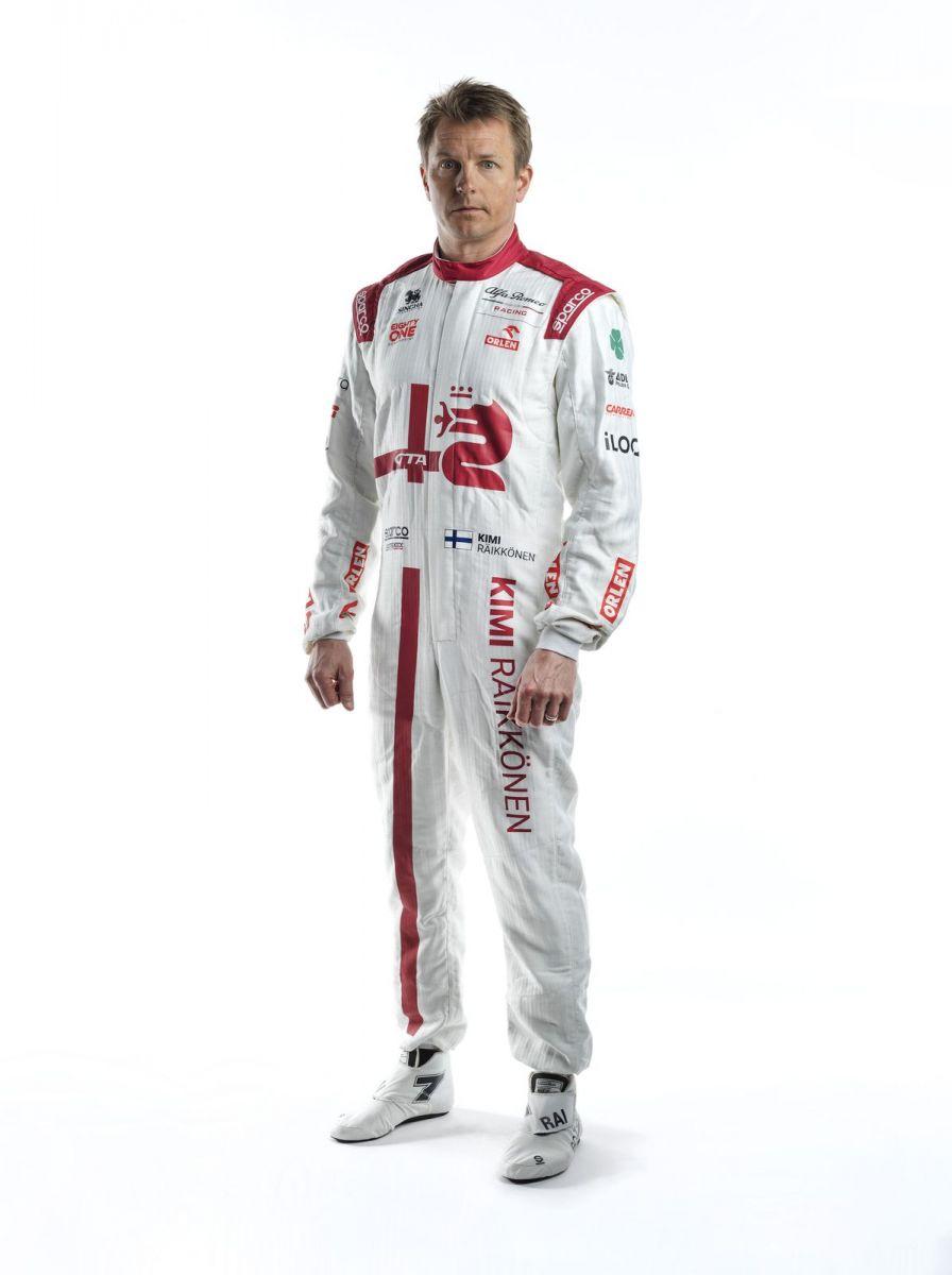 Kimi-Raikkonen-Race-Suit-1