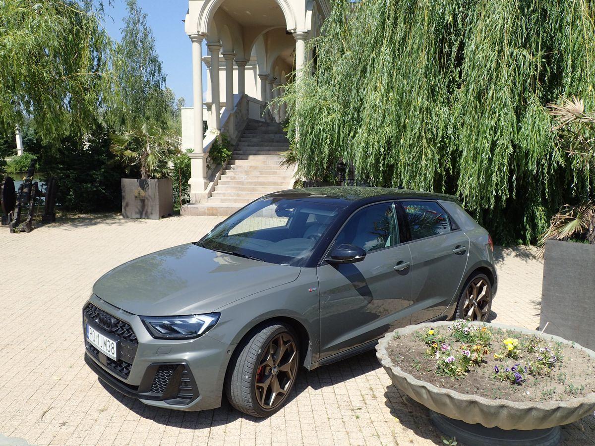 AudiA1Sportback_2019_AutoRok_01