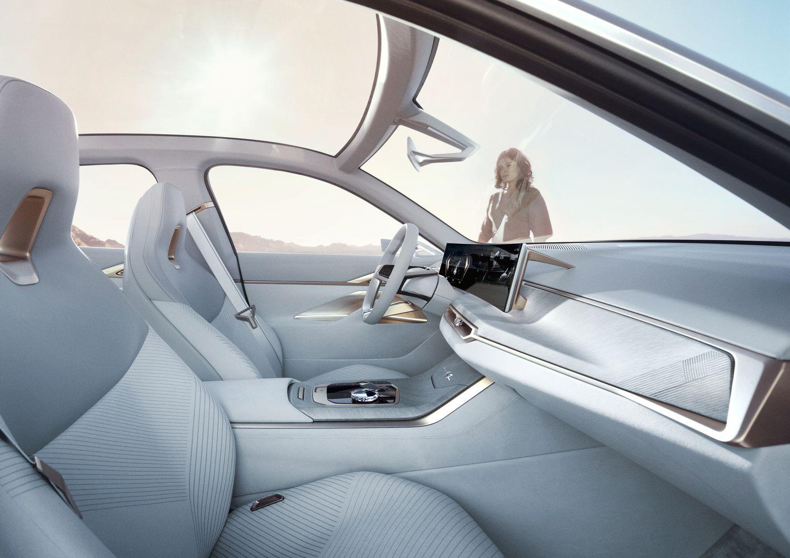 BMW_i4_2021_03