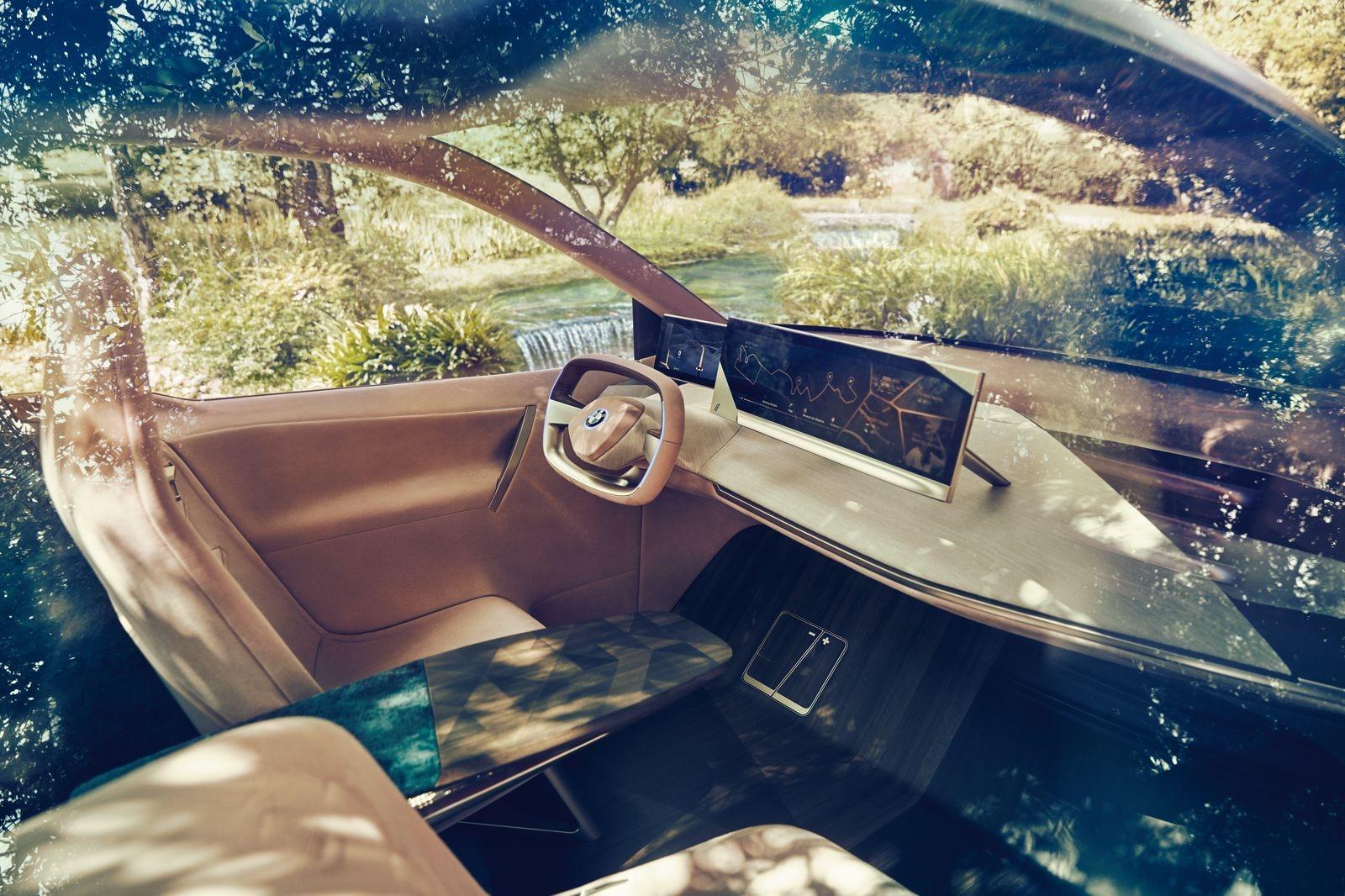 BMW_iNext_AutoRok_2018__17
