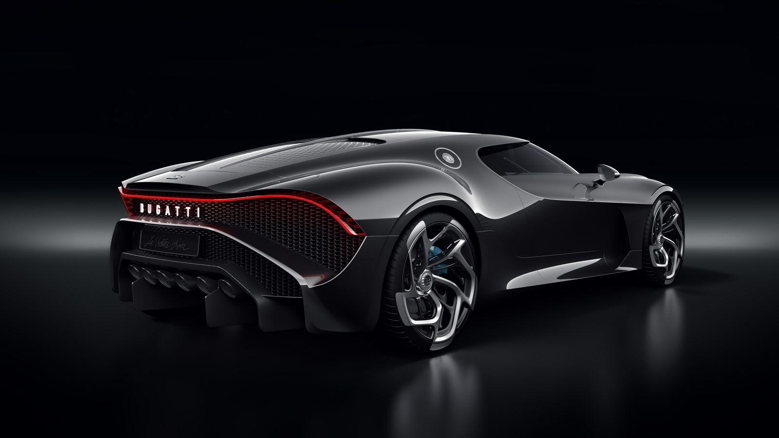BugattiLaVoitureNoire_AutoRok_2019_07