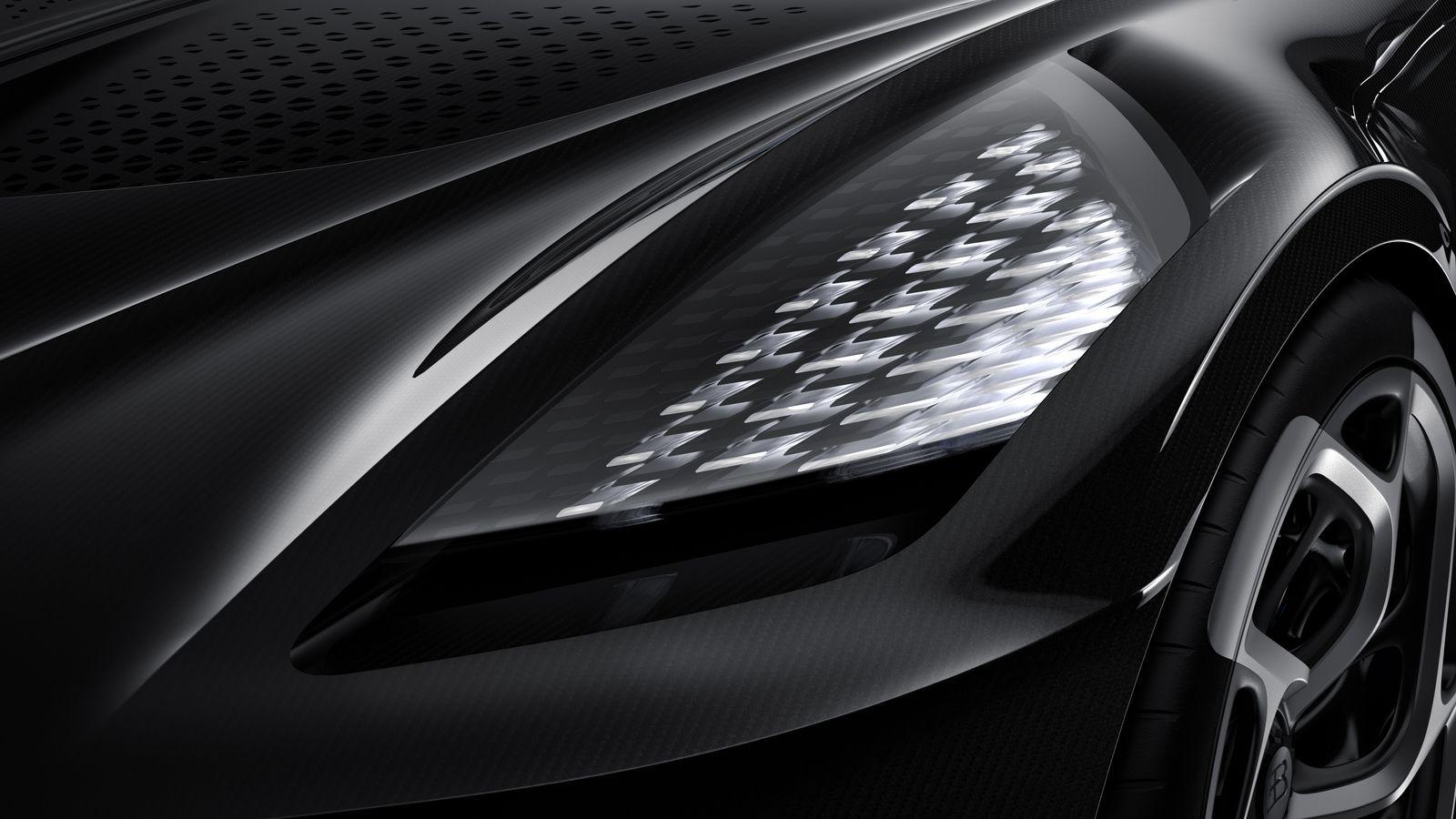 BugattiLaVoitureNoire_AutoRok_2019_12