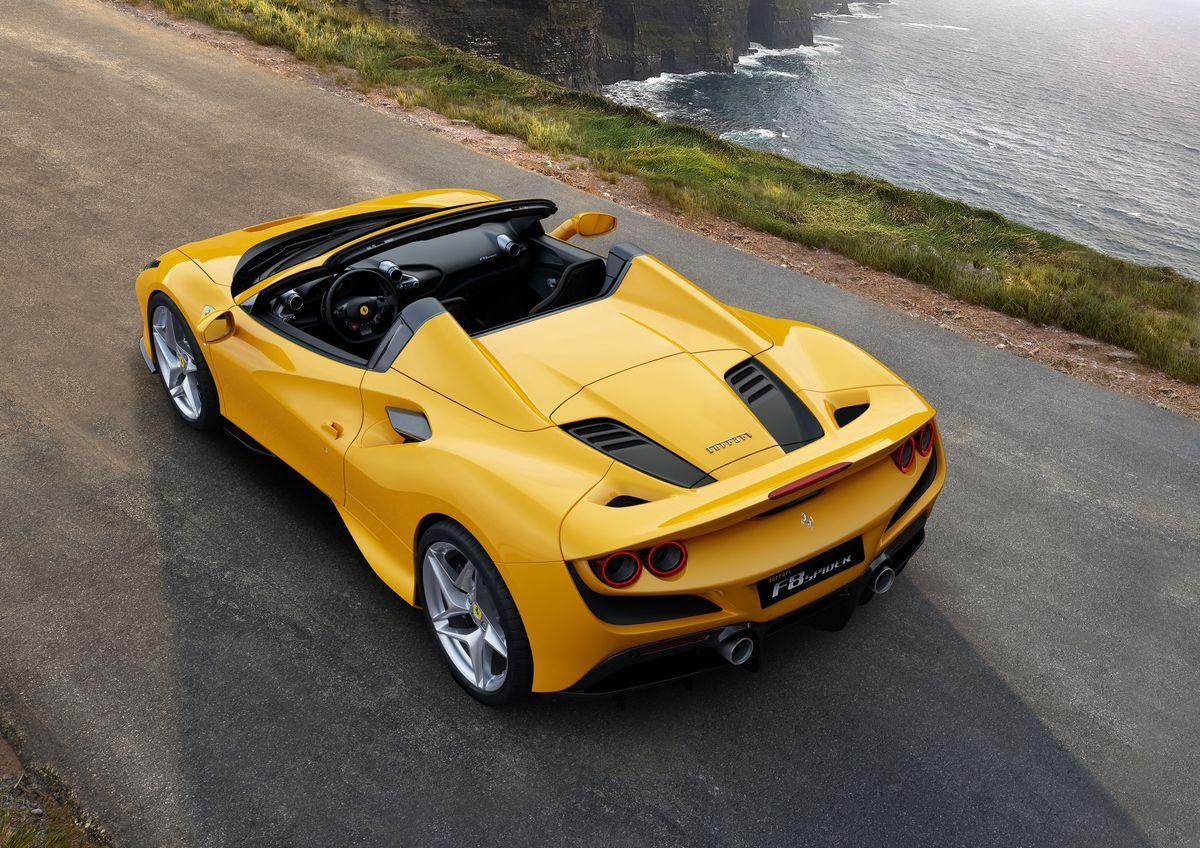 Ferrari F8 Spider  AutoRok