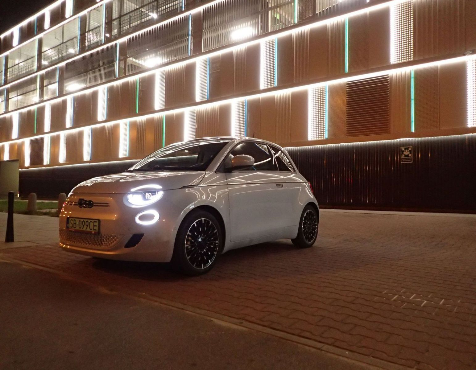 Fiat 500e test AutoRok 2021