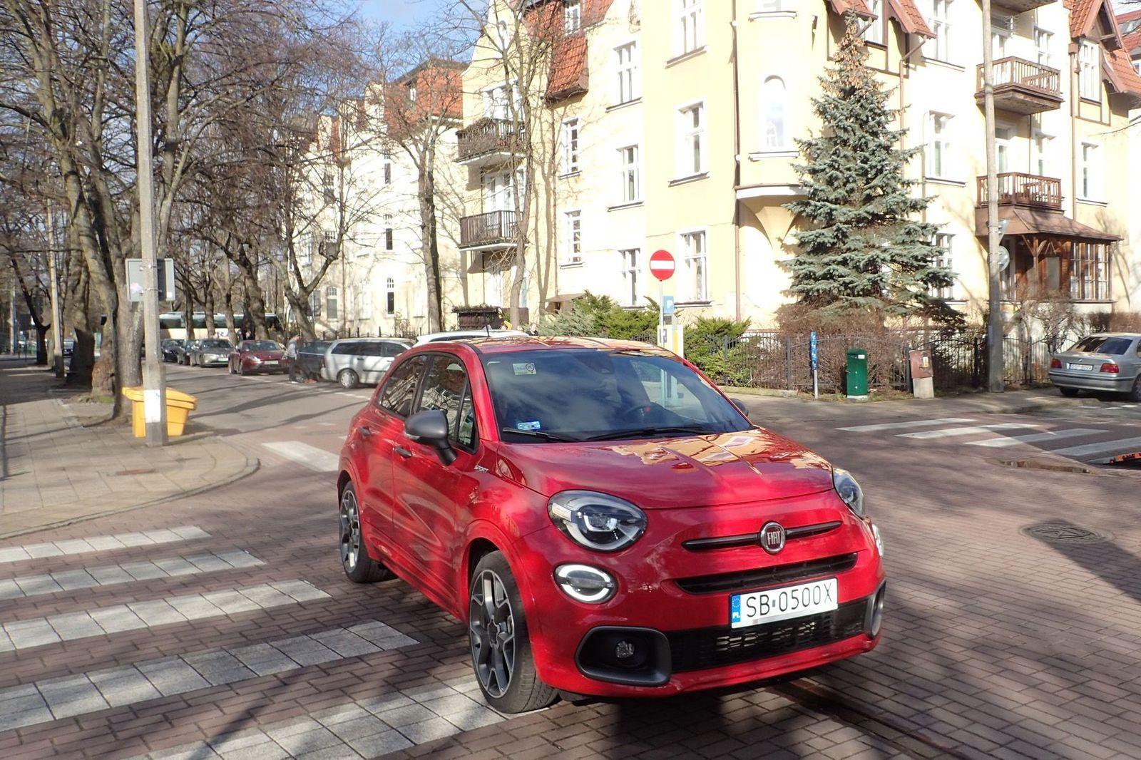Fiat500XSport_2020_AutoRok_09