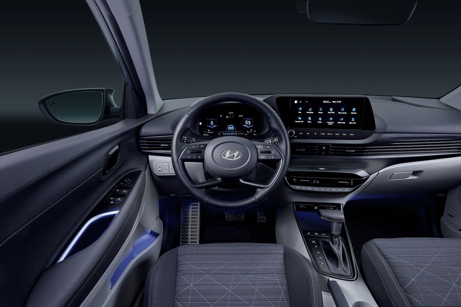 HyundaiBayon_2021_02