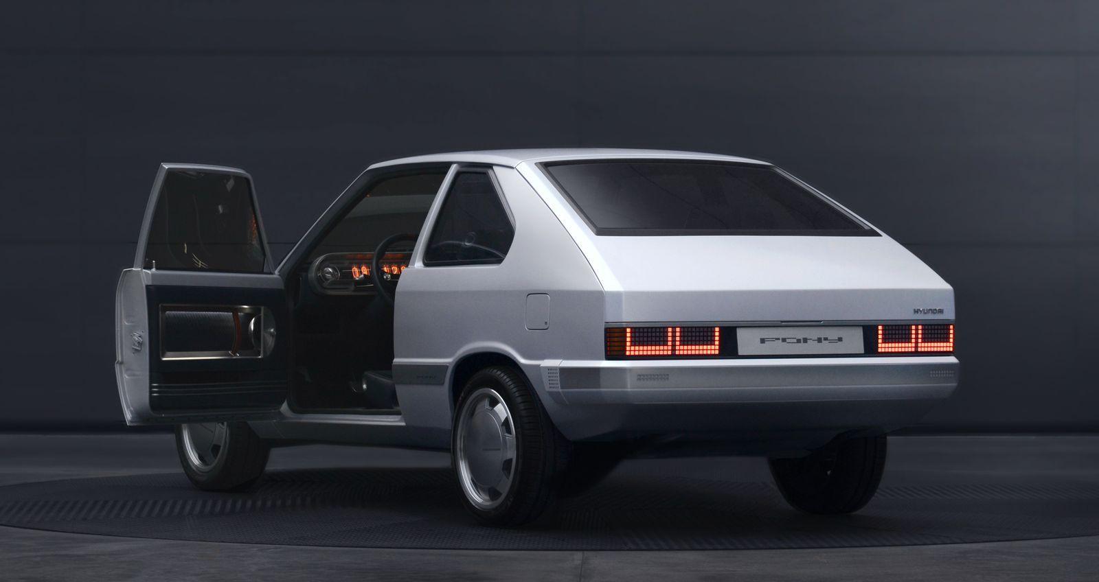 HyundaiPony_2021_AutoRok_12
