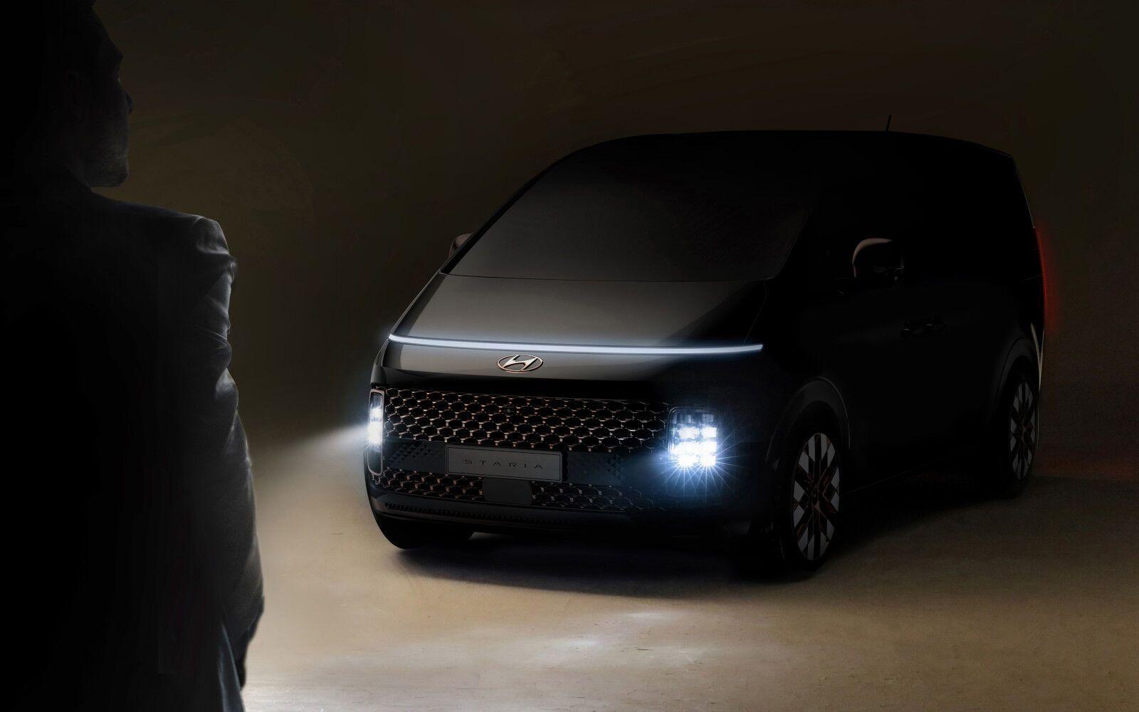 HyundaiStaria_2021_01
