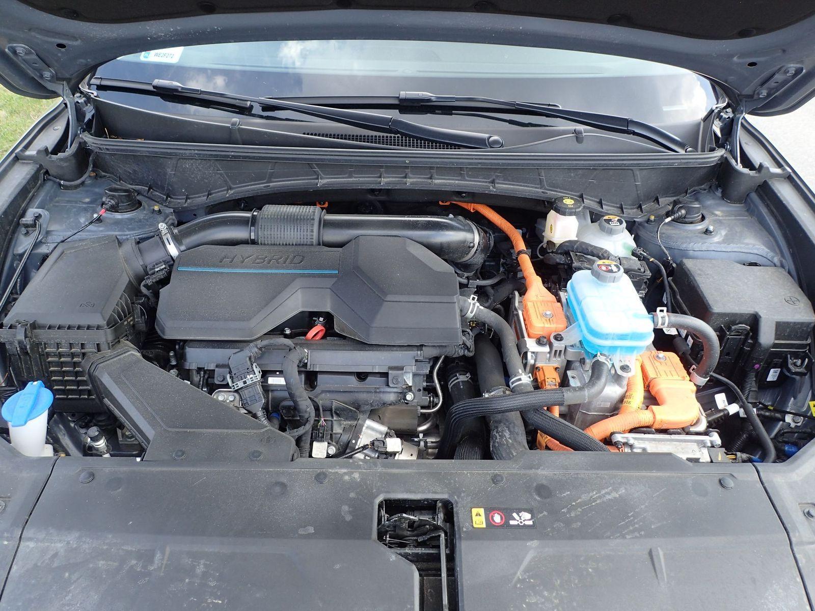 Hyundai Tucson Platinum 1.6T-GDI HEV - Spójrz mu w oczy