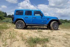 Jeep_80lat_2021_12