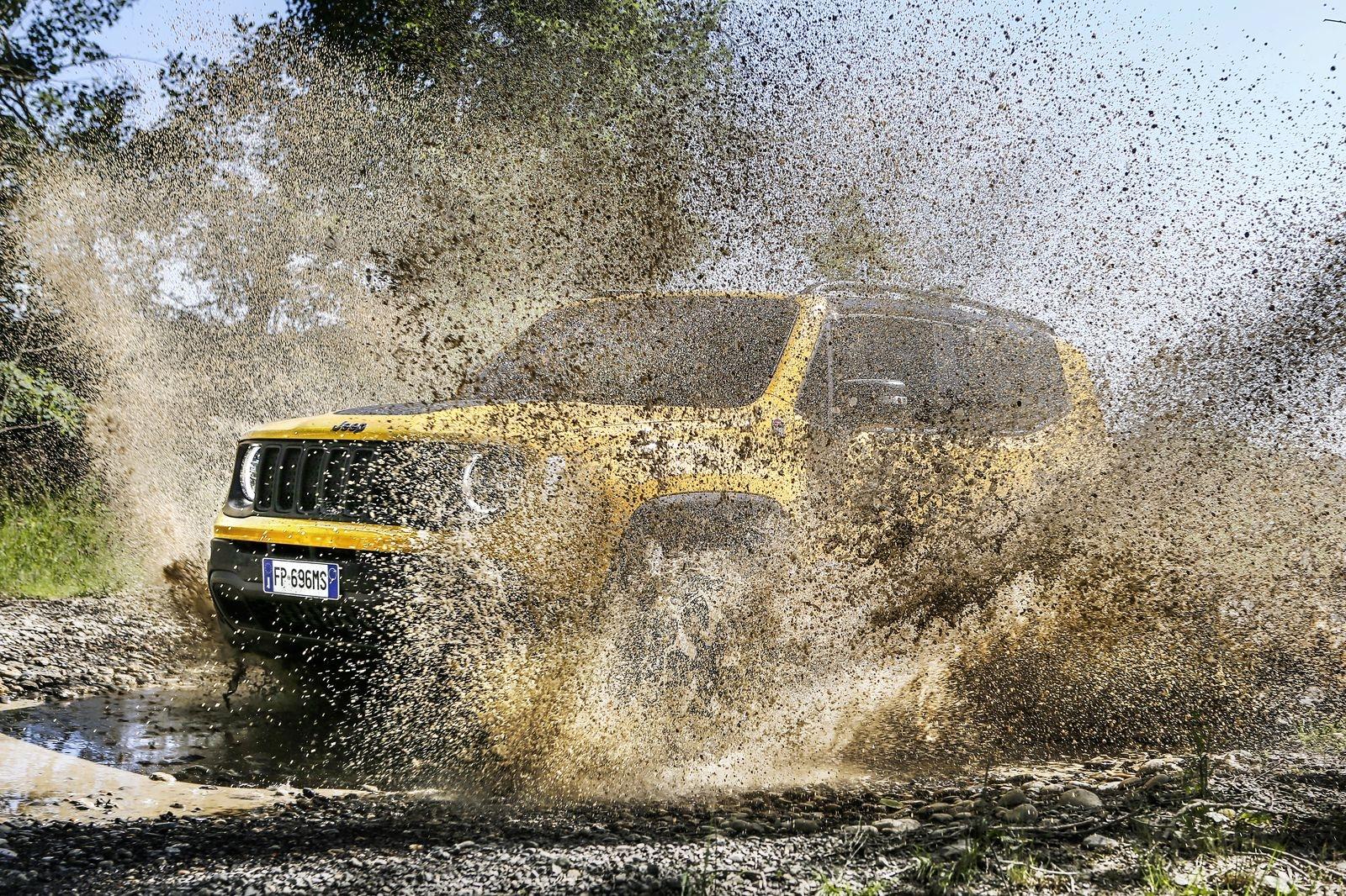 Jeep_Renegade_AutoRok_2018__05