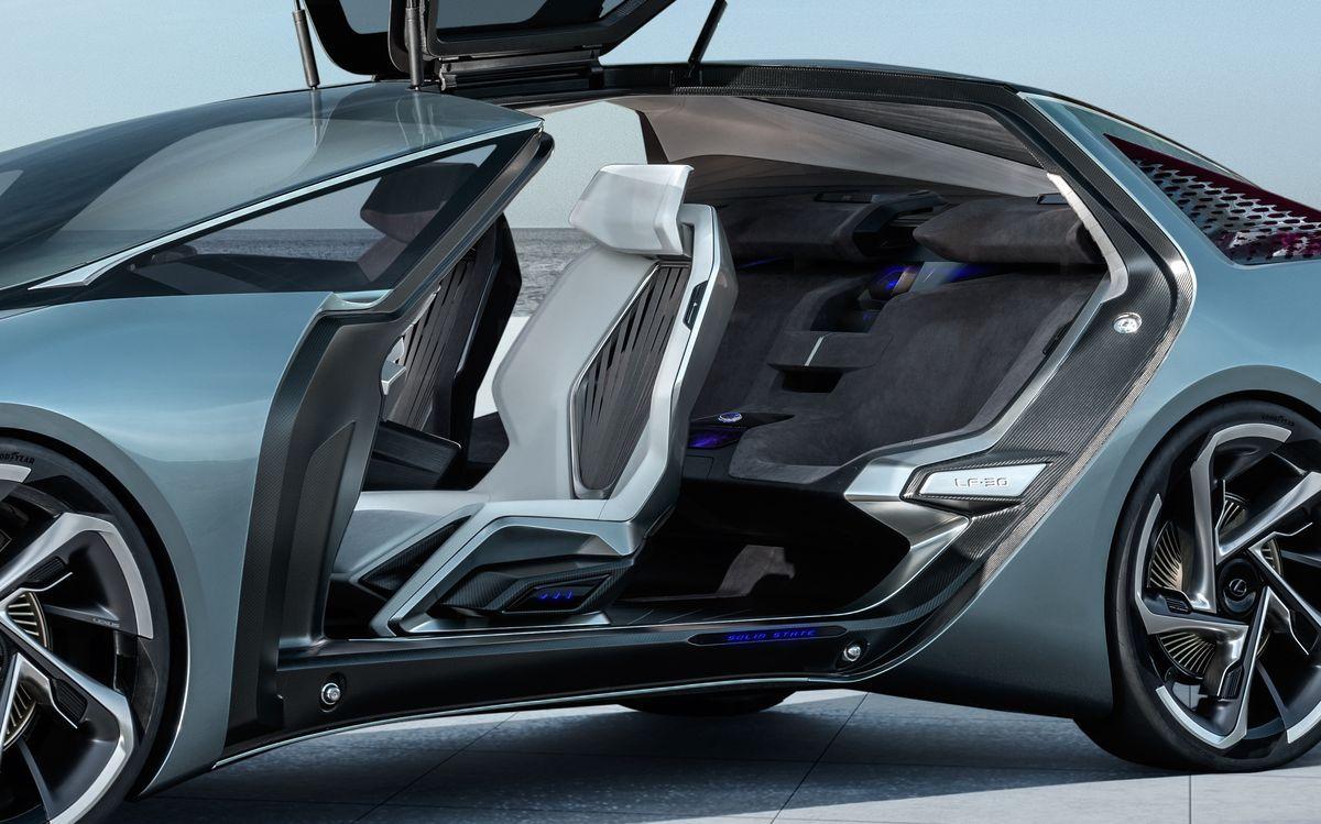 Lexus_LF30_AutoRok_2019_13