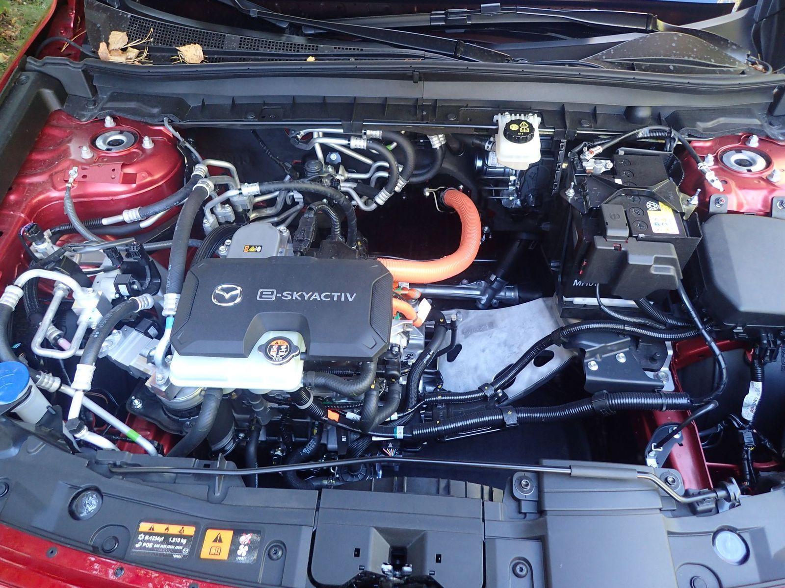 MazdaMX-30_Test_2020_09