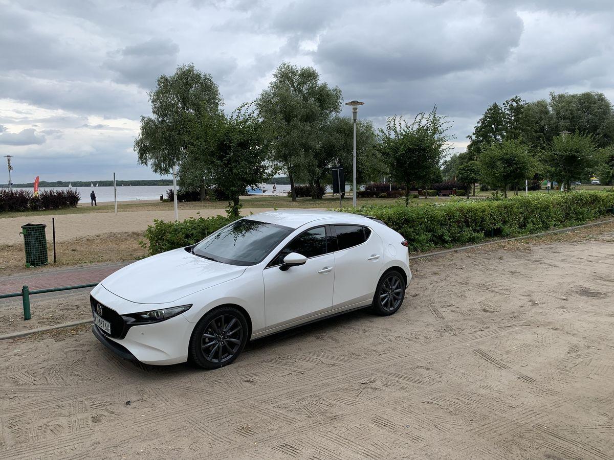 Mazda3_Test_AutoRok_2019_01_1