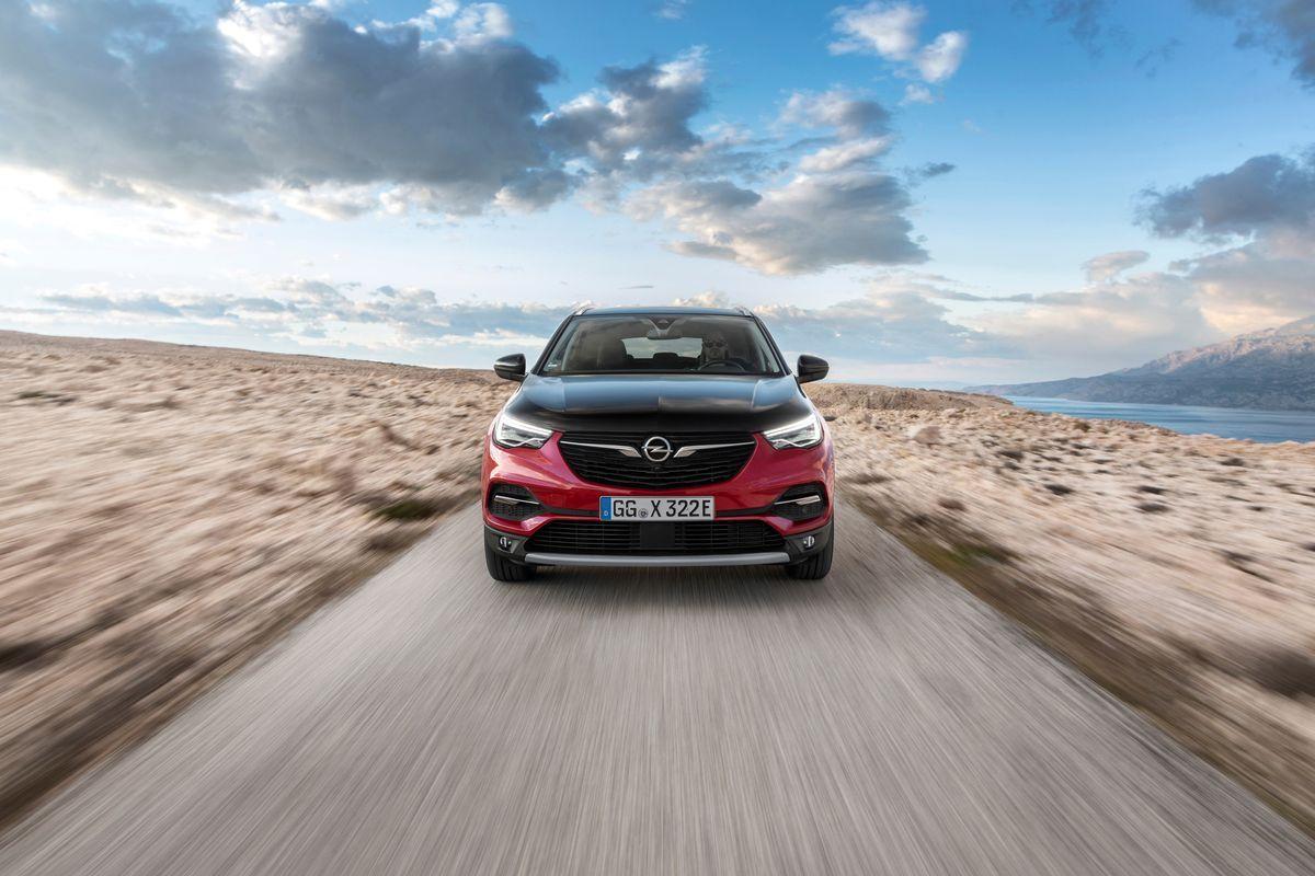 OpelGrandlandHybridX_2019_AutoRok_05