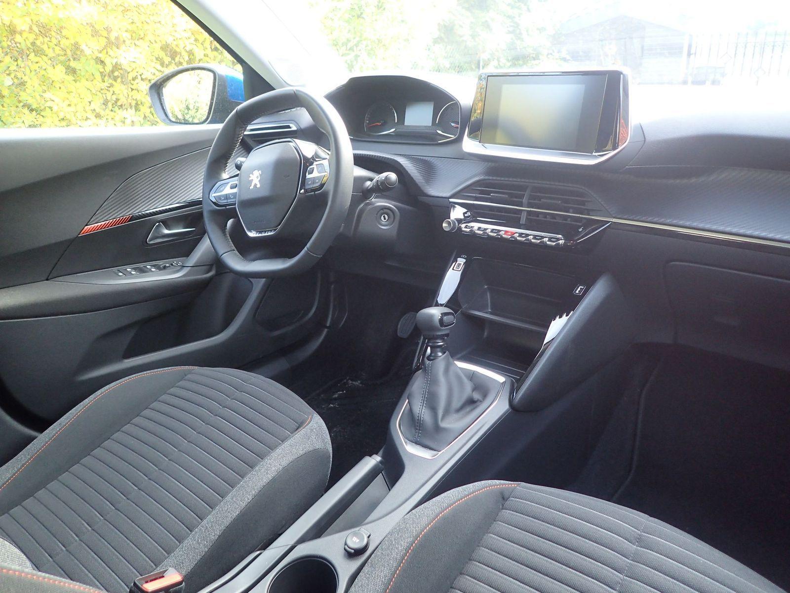 Peugeot2008_2020_test_03