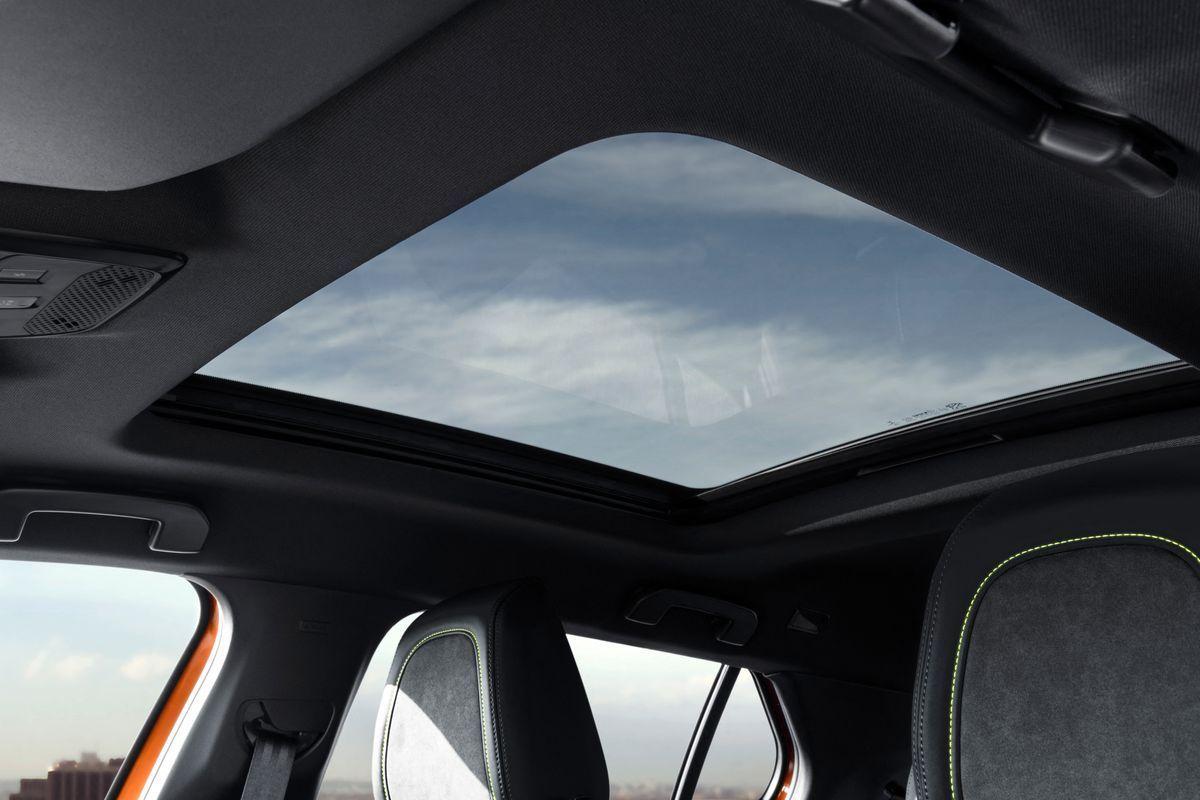 Peugeot2008_2019_AutoRok_28