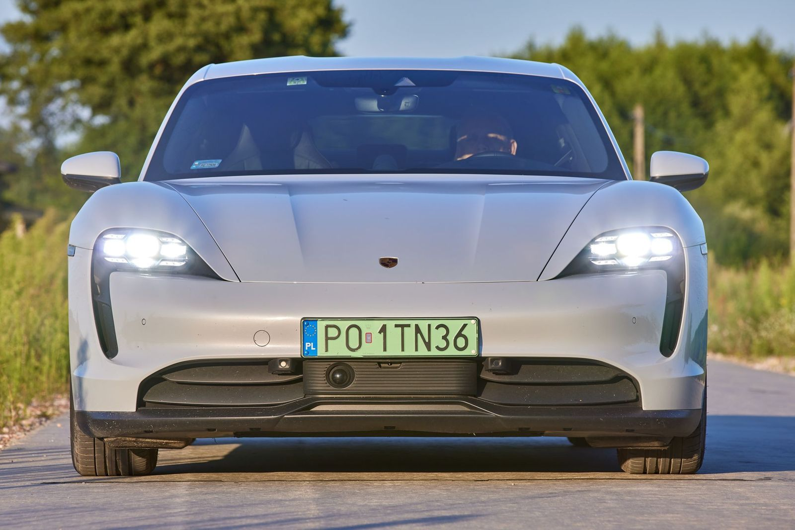PorscheTaycan_testAutoRok_2021_07