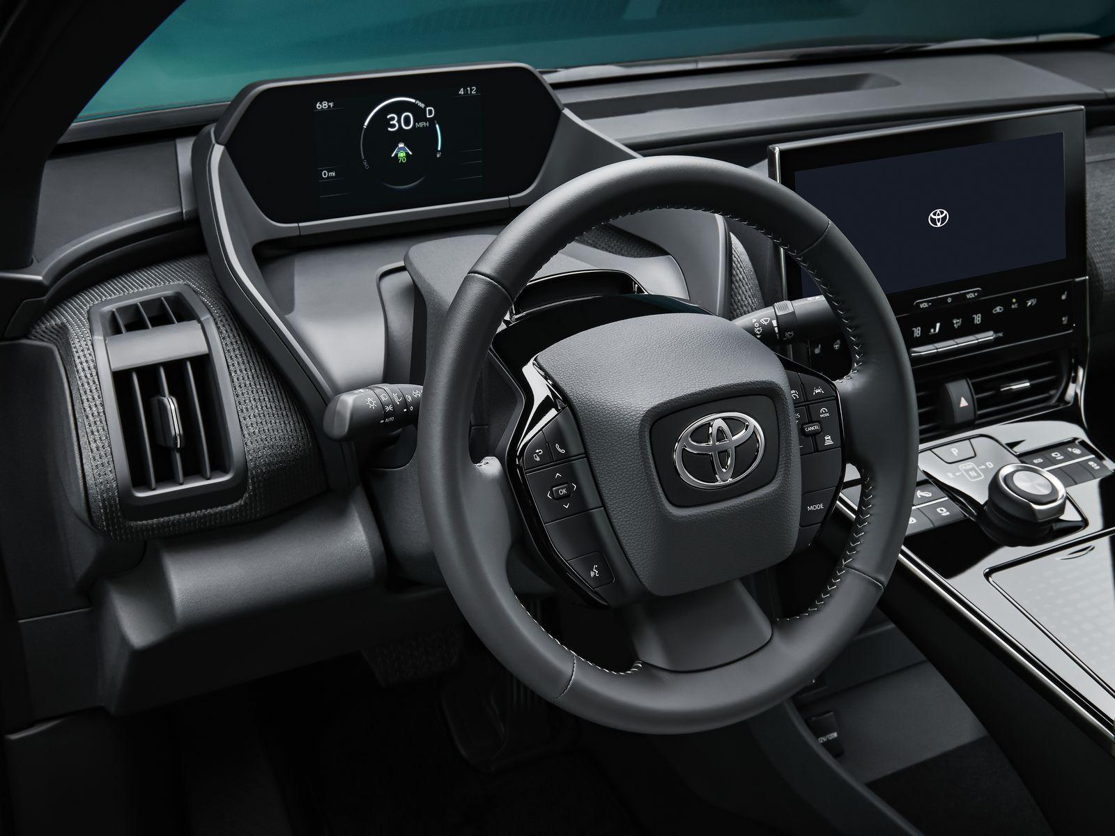 Toyota_bZ4X_Concept_012