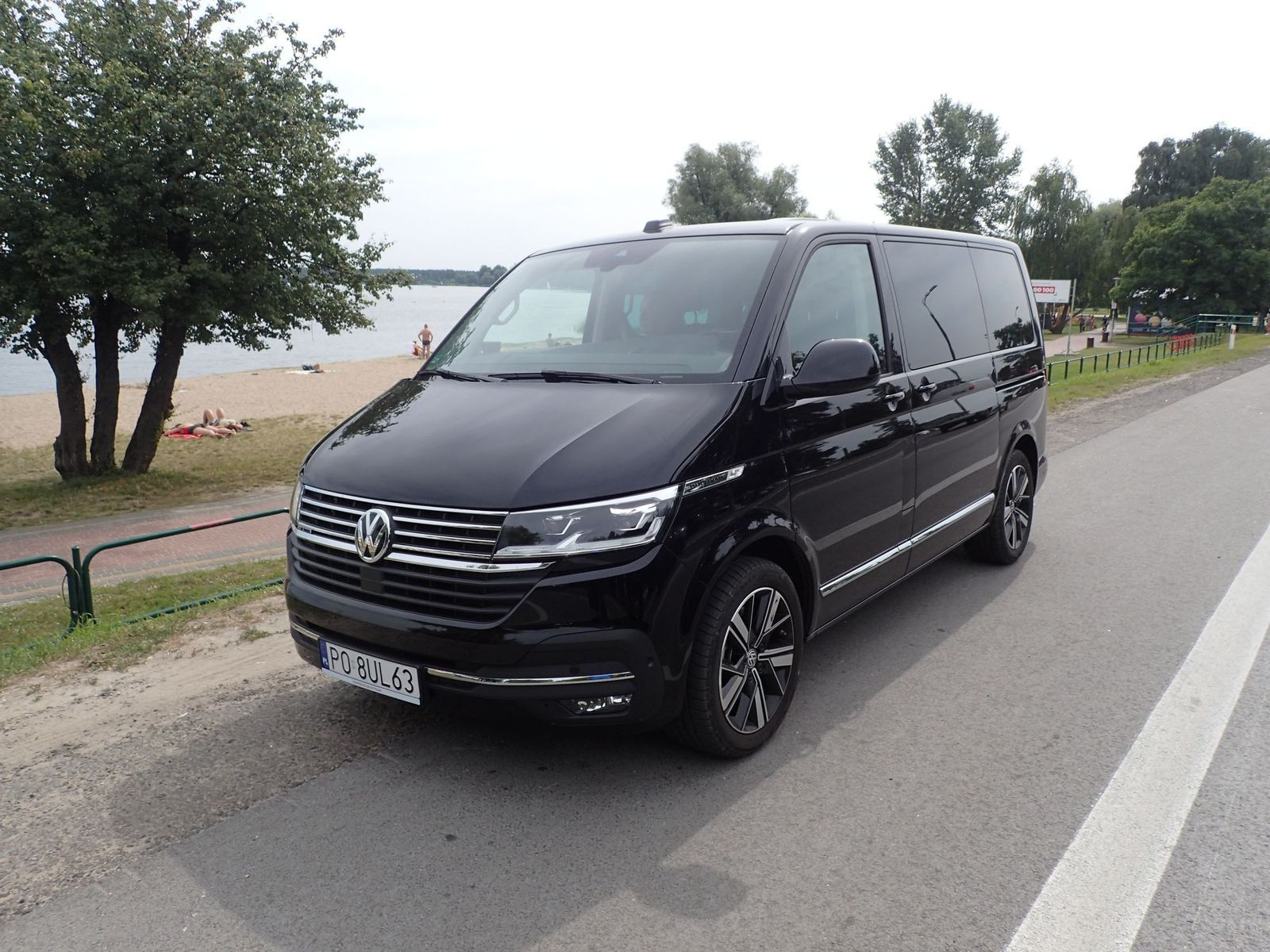 VW Multivan 2021 test AutoRok