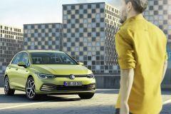 VolkswagenGolf_AutoRok_2019_01