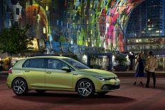 VolkswagenGolf_AutoRok_2019_02